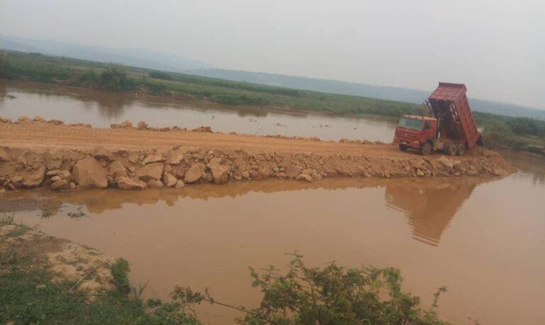 2020-08-12-Rwanda-Rurambi-dyke